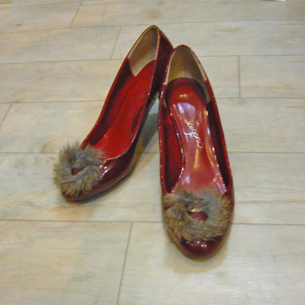 アレンジUSED/ユーズド ボルドーエナメルパンフス ファーリング付 high heel shoes w/ mink fur accessories