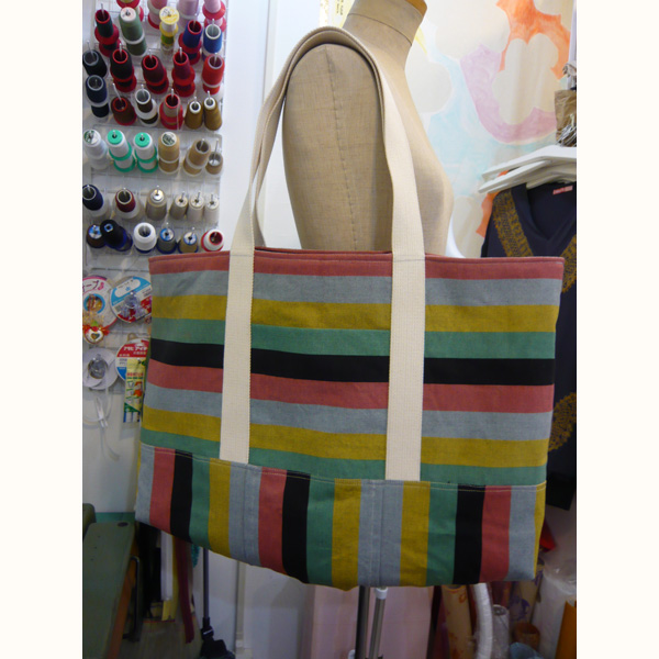 着物の帯をバッグにリメイク Big tote bag made of a cotton kimono sash