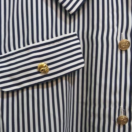 USED/ユーズド ピンストライプ マリンブラウス スカルボタン付き Retro shirt with golden Skull button
