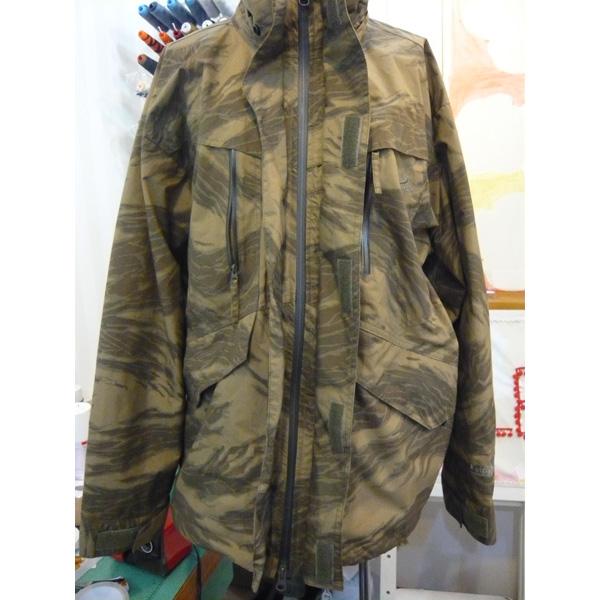 レインウェアのファスナー交換 exchanging a rain jacket front zip