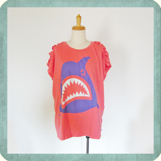 USED: ユーズド LOVEIT シャークTシャツ Cute Shark printed T-shirt